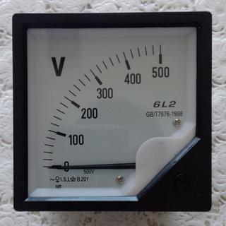 指针式电压表6l2